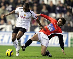 Miguel, durante un partido con el Valencia CF