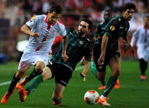 Sevilla y Betis se enfrentaron en marzo en la Europa League.