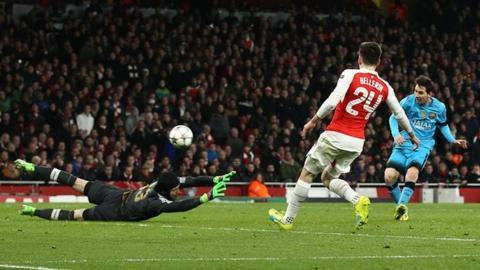 Uno de los goles de Messi al Arsenal