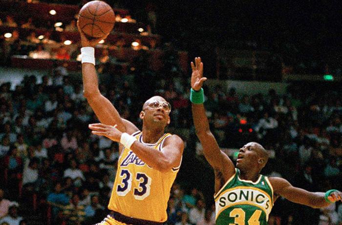 Kareem Abdul-Jabbar, el máximo anotador en la historia de la NBA